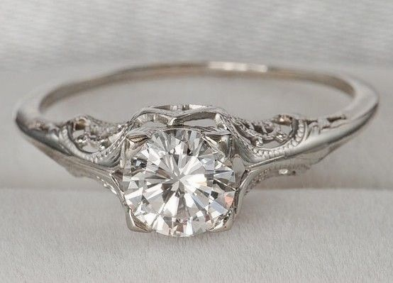 Vintage Diamond Engagment Ring.  Kinda in love with this ring!!!