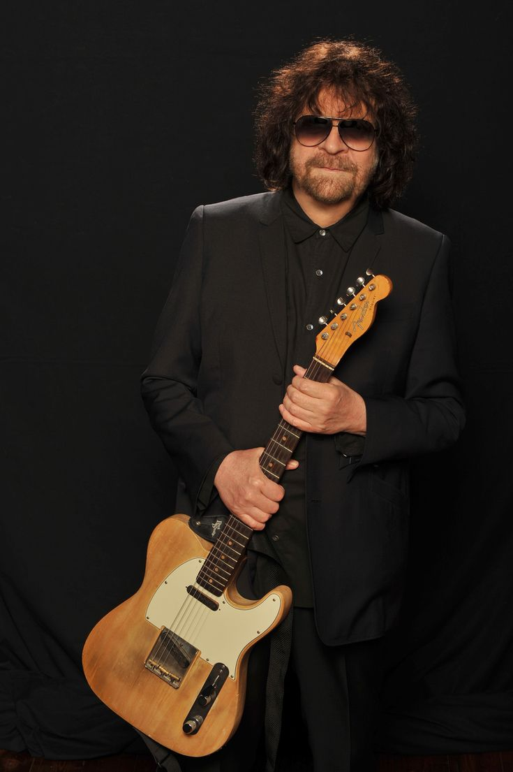 Jeff Lynne (Electric Light Orchestra, Traveling Wilburys) Absolute genius!