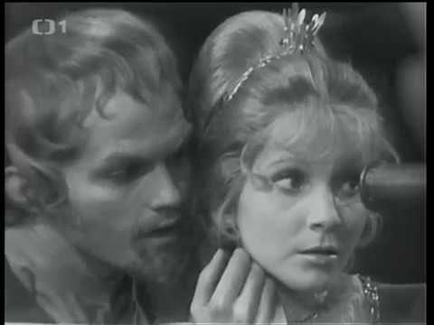 Král, kejklíř a hvězdář (1971, čb) - YouTube