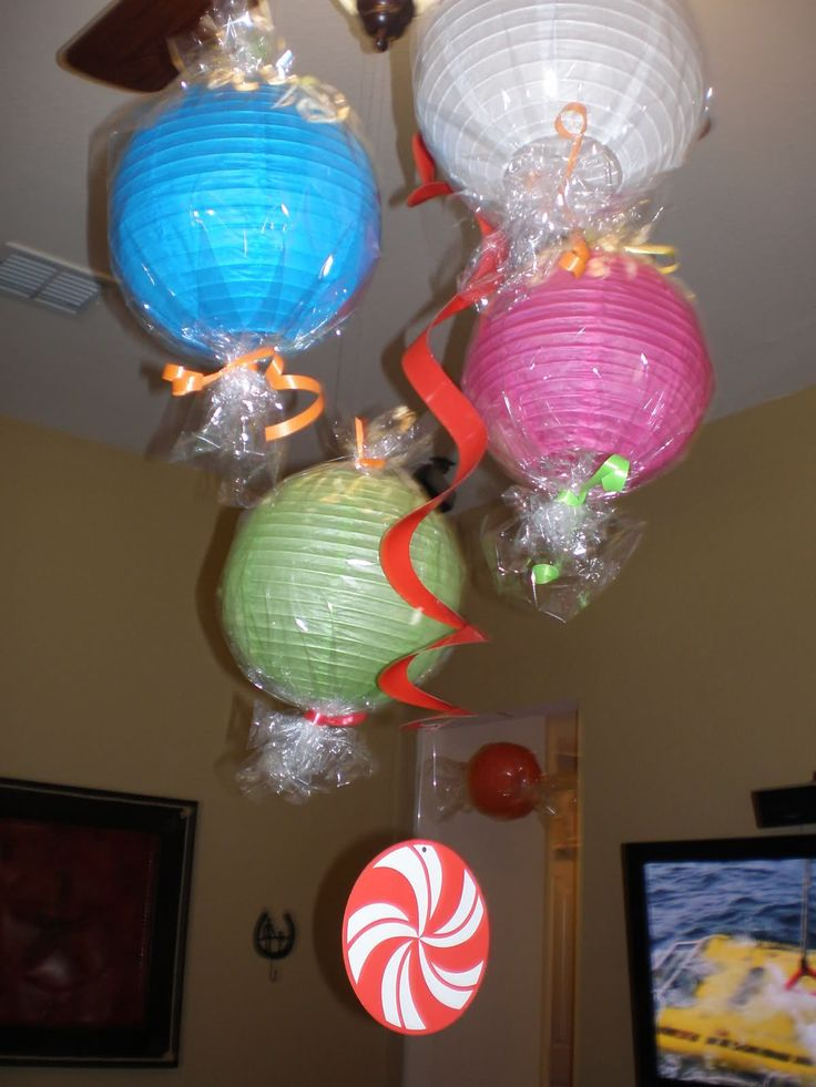 Decoration idea for candyland party party ideas pinterest candyland candy and lanterns - Candyland party table decorations ...