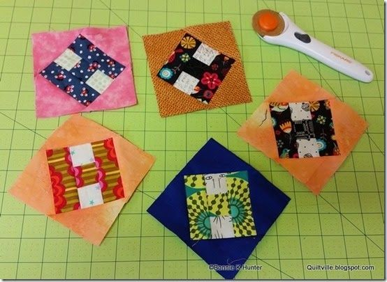 A lesson from Bonnie on fabric selection for scrap quilts