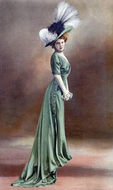 """Edwardian Fashion - Belle Epoque.  The """"S"""" silhouette and a stunning picture hat!"""