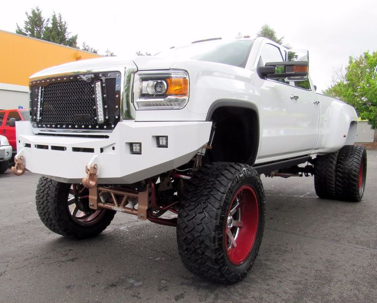 2015 GMC Sierra 3500 DENALI monster truck