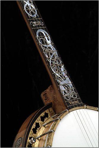 The Viking custom banjo by Stelling