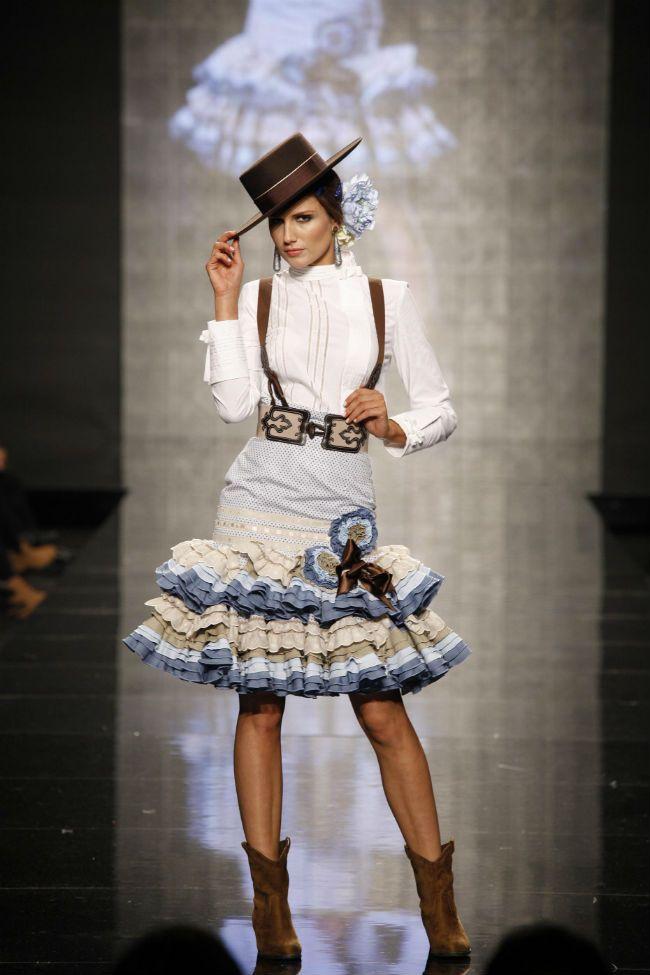 La primera jornada de SIMOF 2014 arranca con muchas novedades en trajes de flamenca para la Feria de Abril
