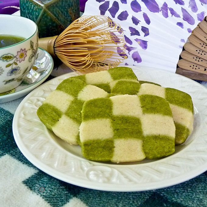 Delightful Matcha Checkerboard Cookies made with only 5 ingredients. They are easier to make than they look and totally worth the effort. | RotiNRice.com