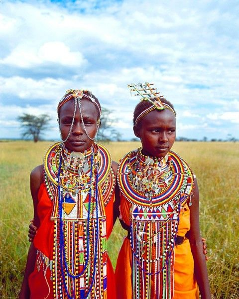Maasai girls, Maasai Mara National Park (Kenya), by Jim Zuckerman.    http://www.jimzuckerman.com/