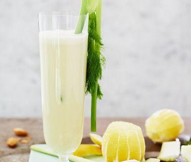 Juicen för lakritsälskare! Fänkål spelar huvudrollen men får också sällskap av syrlig citron. Syrlighet som balanseras fint av len mandelmjölk.