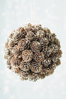 Pinecone decor! Love the natural feel