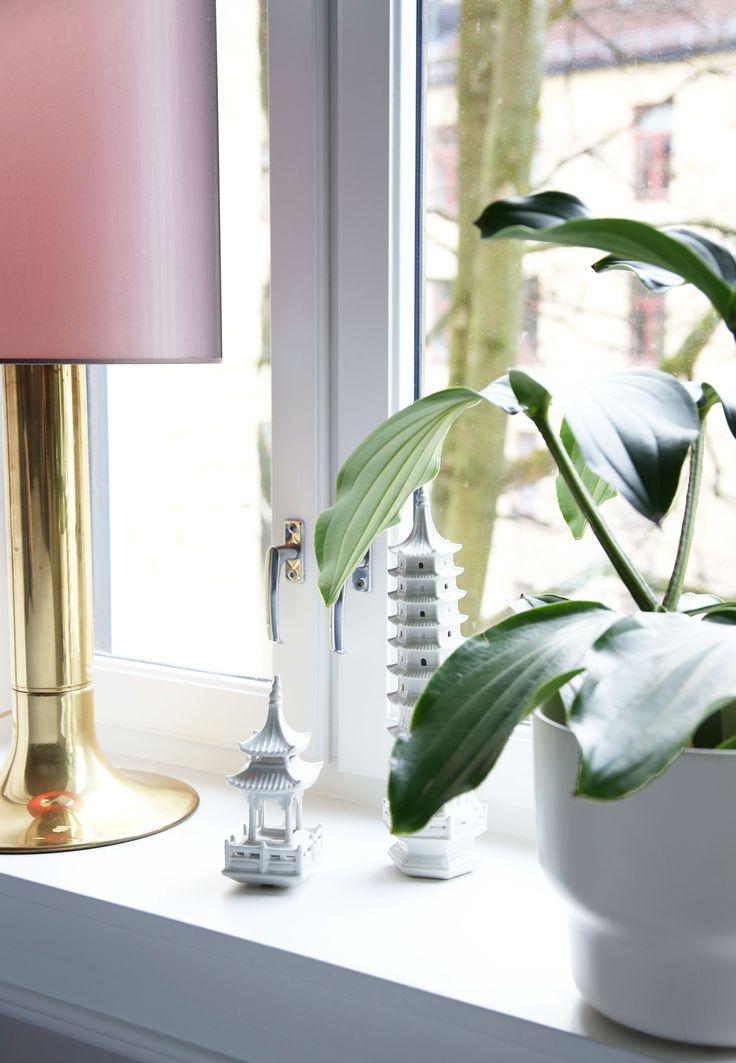 details, brass, bedroom