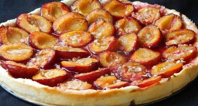 Plăcintă cu ceapă și plăcintă cu prune și gris, rețete tradiționale de pe Valea Sebeșului