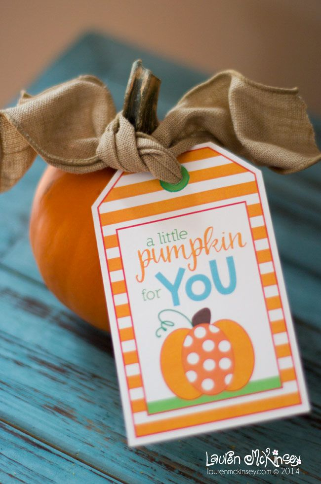 FREE Halloween printable gift tags from Lauren McKinsey :: pumpkin gift tags
