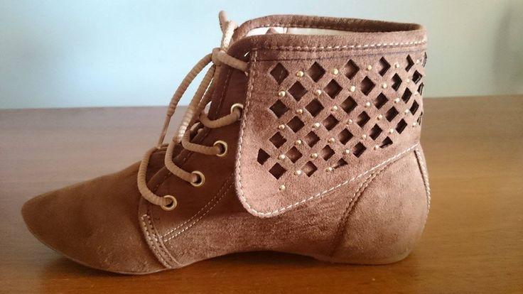 Resultado de imagem para bota feminina rasteira cano curto
