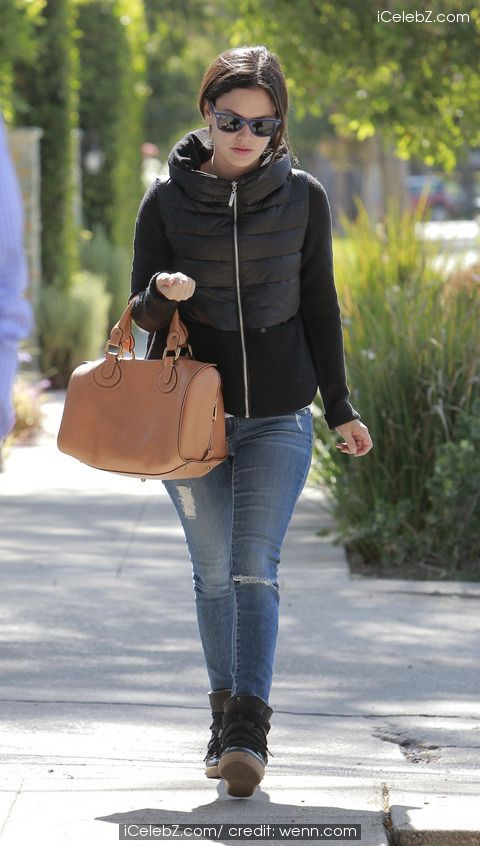 Rachel Bilson http://www.icelebz.com/events/rachel_bilson_looking_good_in_los_angeles_with_quilted_jacket_and_boots/photo1.html