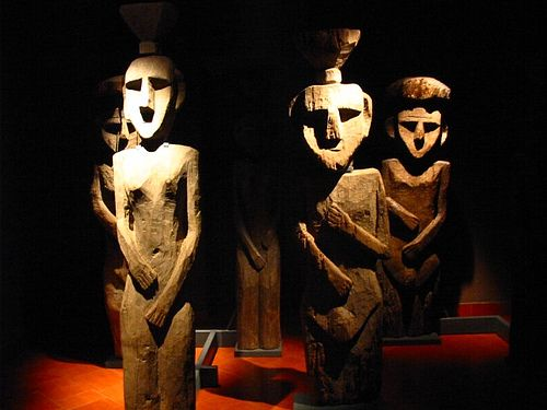 Sculptures inside the Museum