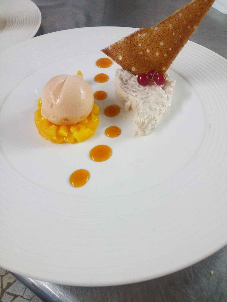 Photo de Risotto exotique à la fève tonka et sorbet ylang ylang. Plat du restaurant Hôtel Restaurant de la Croix d'Or