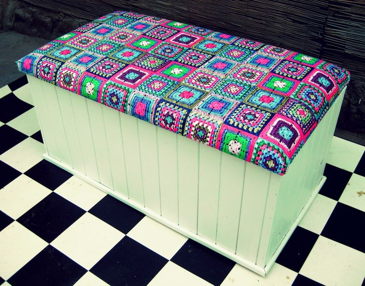 toy box with cushion 2