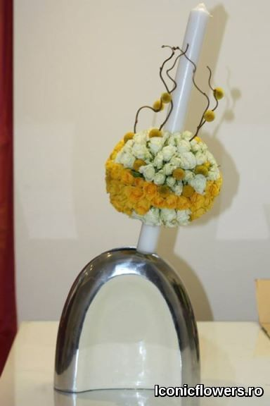 Lumanari de botez, aranjamente florale deosebite pentru botez baieti si fetite, design floral unicat.