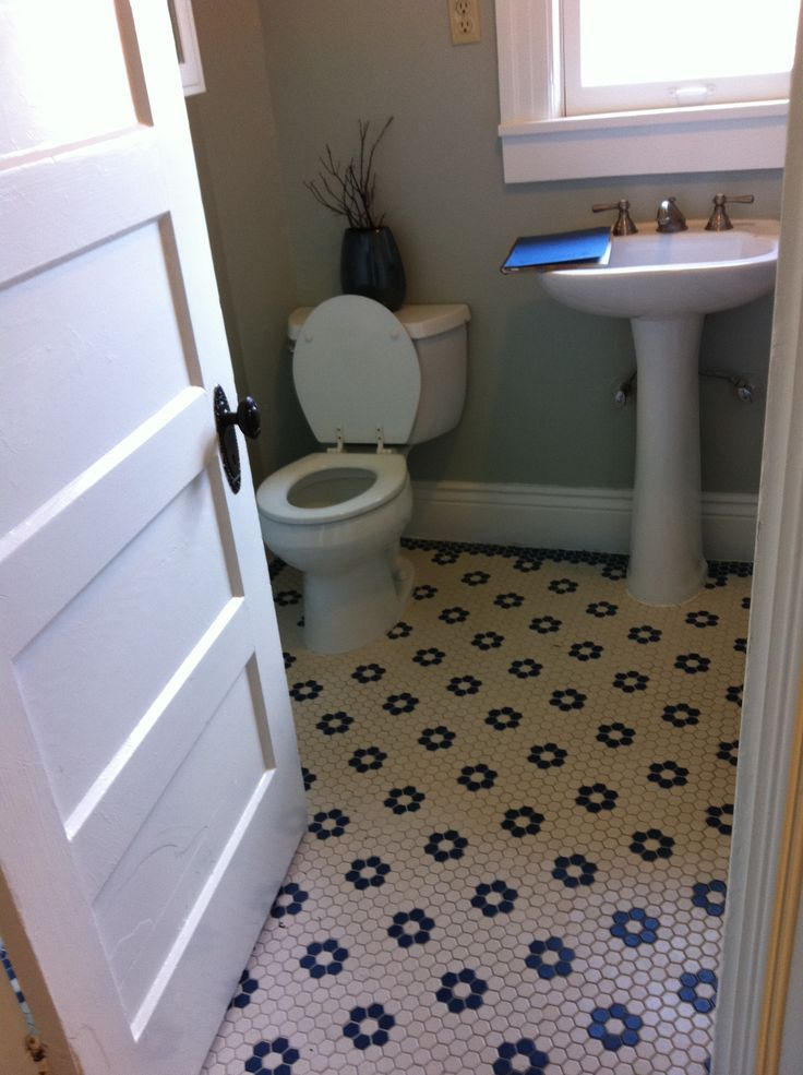 Cute Black And White Hexagonal Tile Floor Bathroom