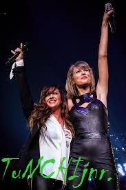 TuNCHIjnr.: Taylor Swift Inviting Alanis Morissette On Stage: ...
