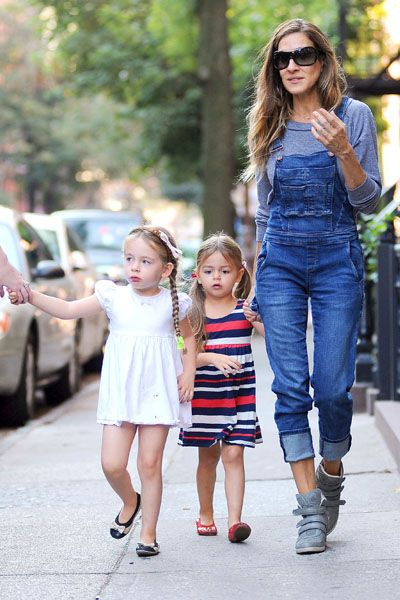 sjp- loooove her outfit!!!