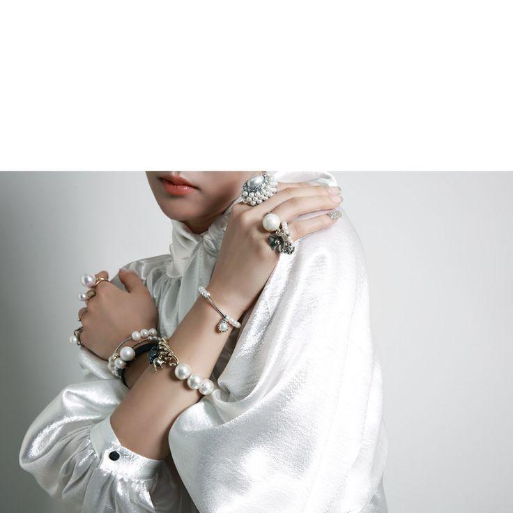韓国婦人服通販 レディースファッション スタイリッシュなファッションにポイントを加えてくれるDINTのブレスレット、リング、ネックレス、イヤリング、スカーフ等[DINT] アクセサリー AJ-2773  リング Ring