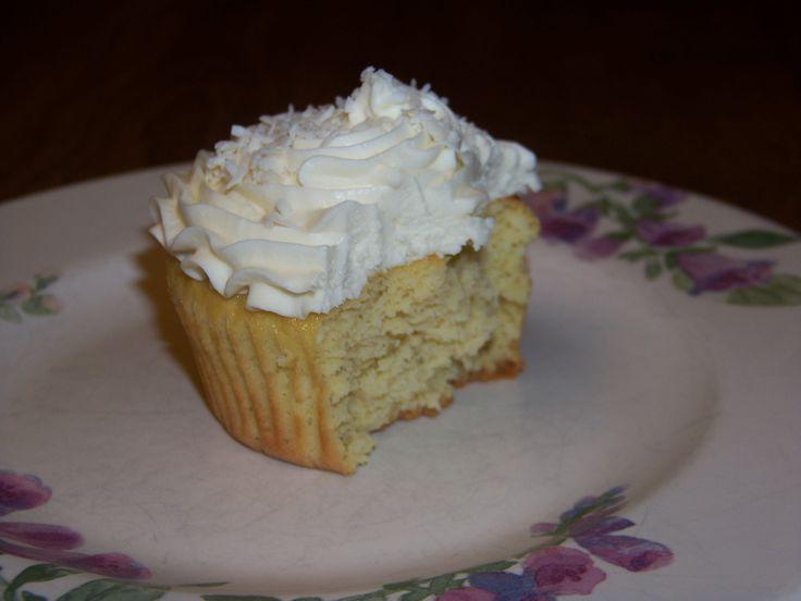 Sugar Free Low Carb Coconut Cupcake