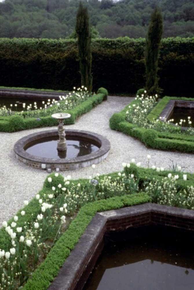 Nigel L Philips Garden Design