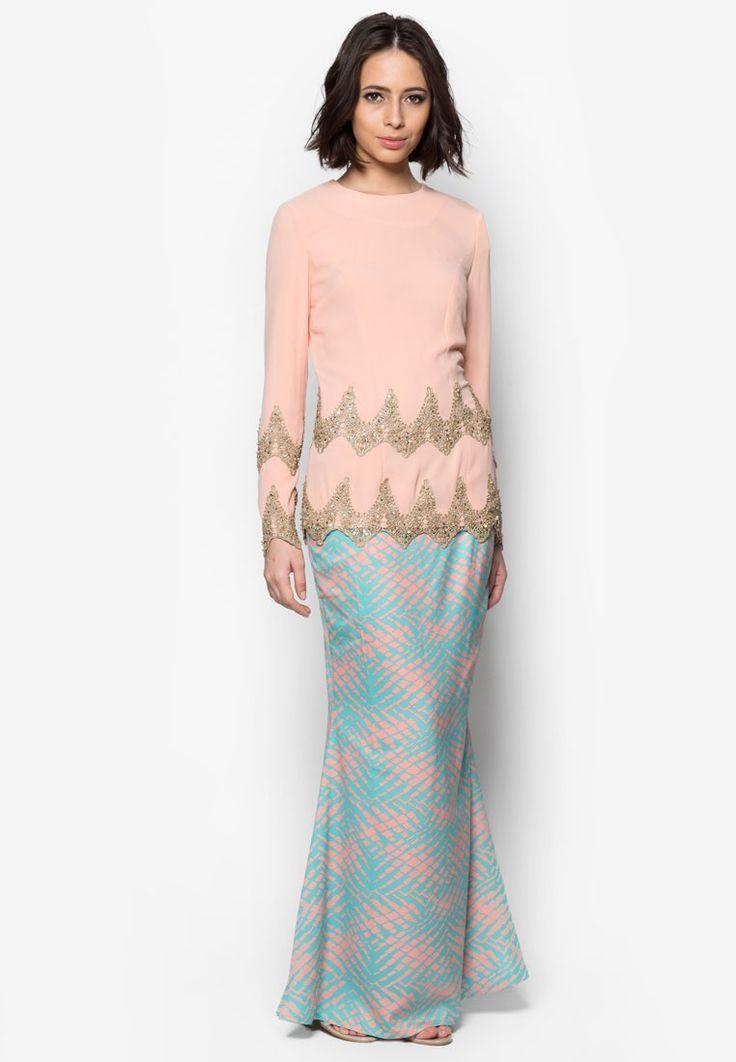 67 best RAYA Outfits images on Pinterest  Hijab fashion Kebaya
