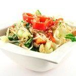 Lauwwarme salade met paksoi en tonijn