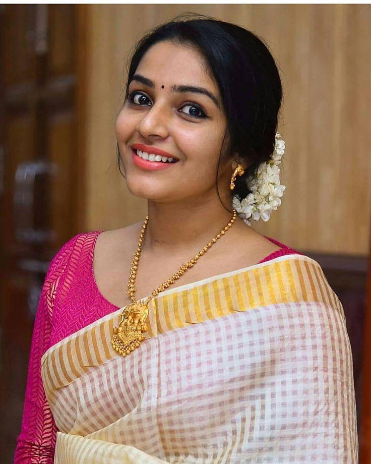 "3,026 Likes, 8 Comments - Tamil Actresses,Kolly&Shoutout (@indianactresses_) on Instagram: ""#RajishaVijayan"""