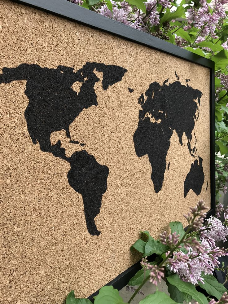 Пробковая доска с рисунком/ Cork board with picture. Size: 40х60 cm. Рама / Frame: МДФ / MDF. Price: $32 #пробковаядоска #пробковыедоски #corkboard #handmade #доскадлязаметок #map #world #worldmap #space