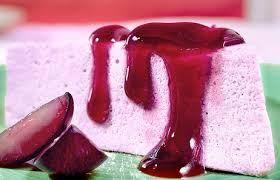 Mousse de vinho é uma receita magnifica. Ingredientes Para a mousse:  1 lata de leite condensado 1 lata de creme de leite 1 lata de suco de uva 1 lata de vinho tinto suave 1 pacote de