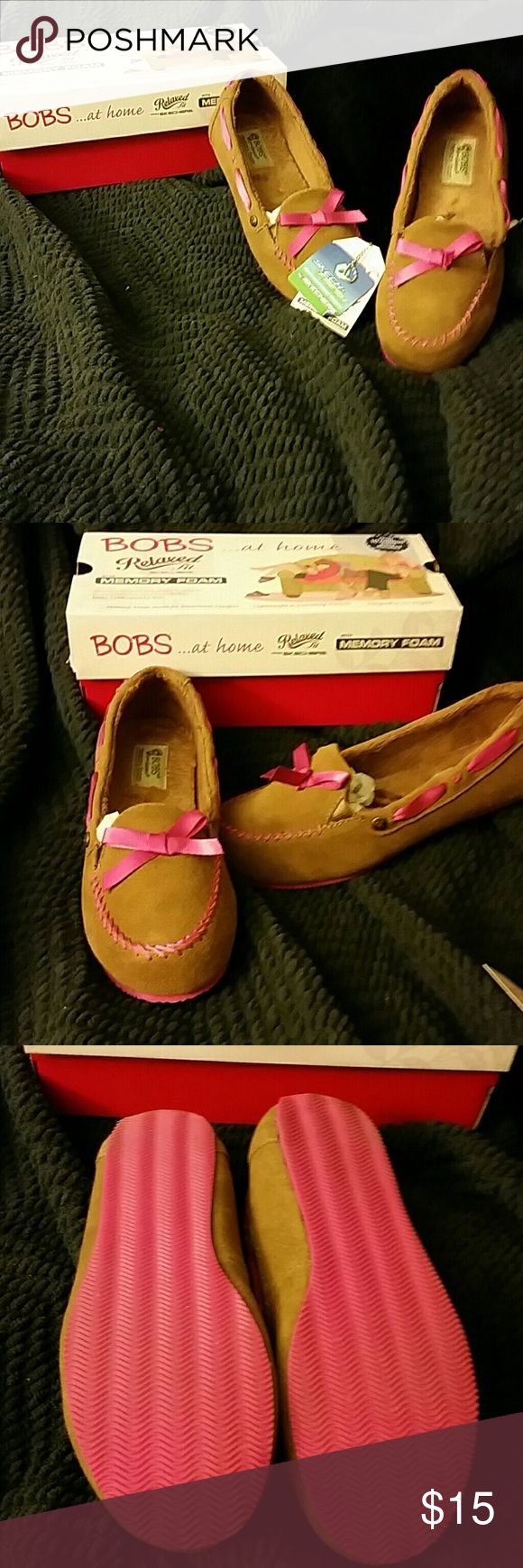 Bob's Bob's Cozy jr. Worn a couple of times at home,by my bored self purchased late last year. Take them away price cute but will get lost in the shuffle.fit like 7.5 guessing slippers? Skechers Shoes Slippers