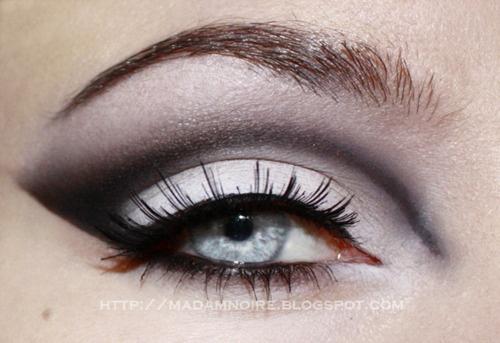 makeupEyeshadows Cutcrea, Black N White, Eye Makeup, Black White, Makeup Ideas, Cut Crea, Makeup Hair, Makeup Studios, White Cut