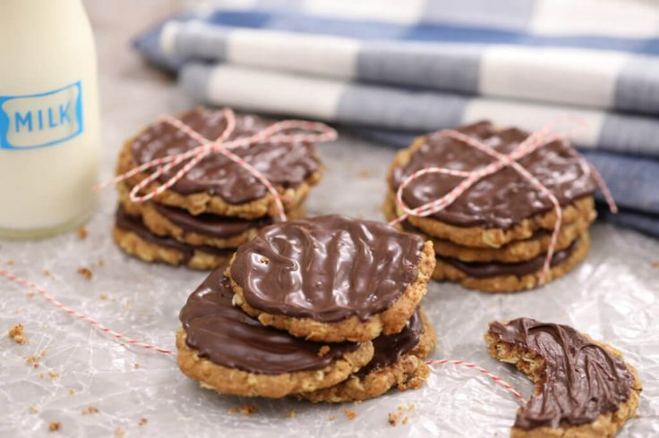 Homemade Chocolate Hobnobs - why buy store bought when you can make these delicious biscuits at home?