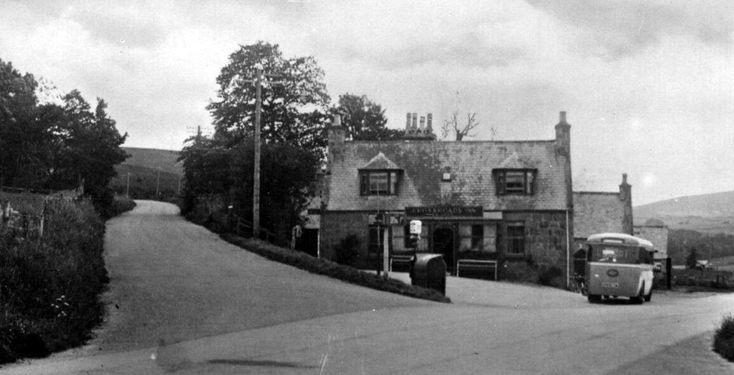 Old Photograph Of A Bus Outside The Crossroads Hotel In Lumphanan Village Situated Ten Miles From Banchory Aberdeenshire Scot Scotland Old Photographs Hotel