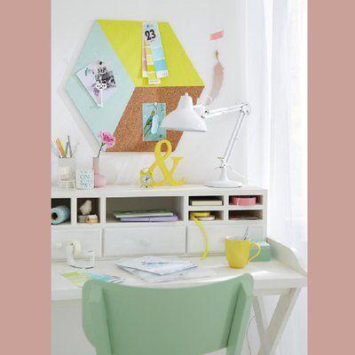 Habillez vos murs en créant de jolis carrés muraux peints, déco et géométriques