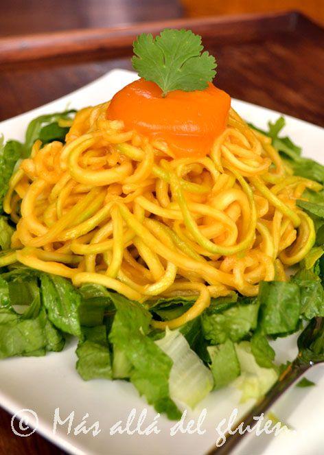 Más allá del gluten...: Espaguetis de Zucchini con Salsa de Calabaza y Zanahoria (Receta SCD, GFCFSF, Vegana)