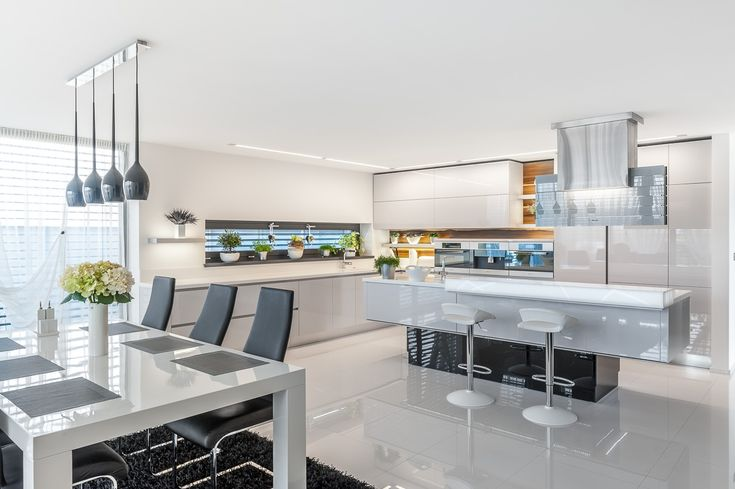 kuchyně Magnific - unikátní výškově stavitelný ostrůvek, provedení bílý lak