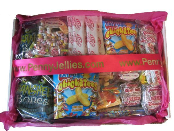 1980s Party Box Hamper Sweets Online Old Fashioned 70s , 80s Retro Sweets http://www.pennyjellies.com/index.php/gifts-and-hampers/hampers/1980s-party-box/ #Retro #Gifts #Hampers #Sweets $39.60 + Shipping