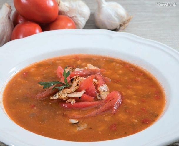 Pikantná cesnaková polievka s paradajkami