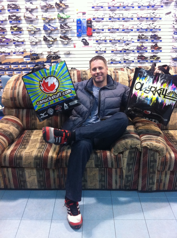 He's not in Mexico yet... in fact he is on the Canuck Couch, but Beach Olympian Jody Holden is headed south, but not before picking up a some Overkill tanks!