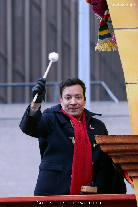 Jimmy Fallon debuts on The Tonight Show http://icelebz.com/gossips/jimmy_fallon_debuts_on_the_tonight_show/