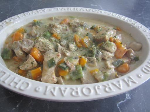 oeuf, champignon de Paris, poireau, bouquet garni, oignon, jus de citron, porc, crème fraîche épaisse, maïzena, carotte, bouillon