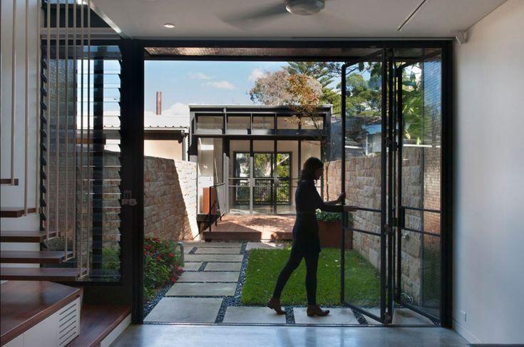 17 mejores ideas sobre planos de vivienda estrecha en for Casas largas y angostas