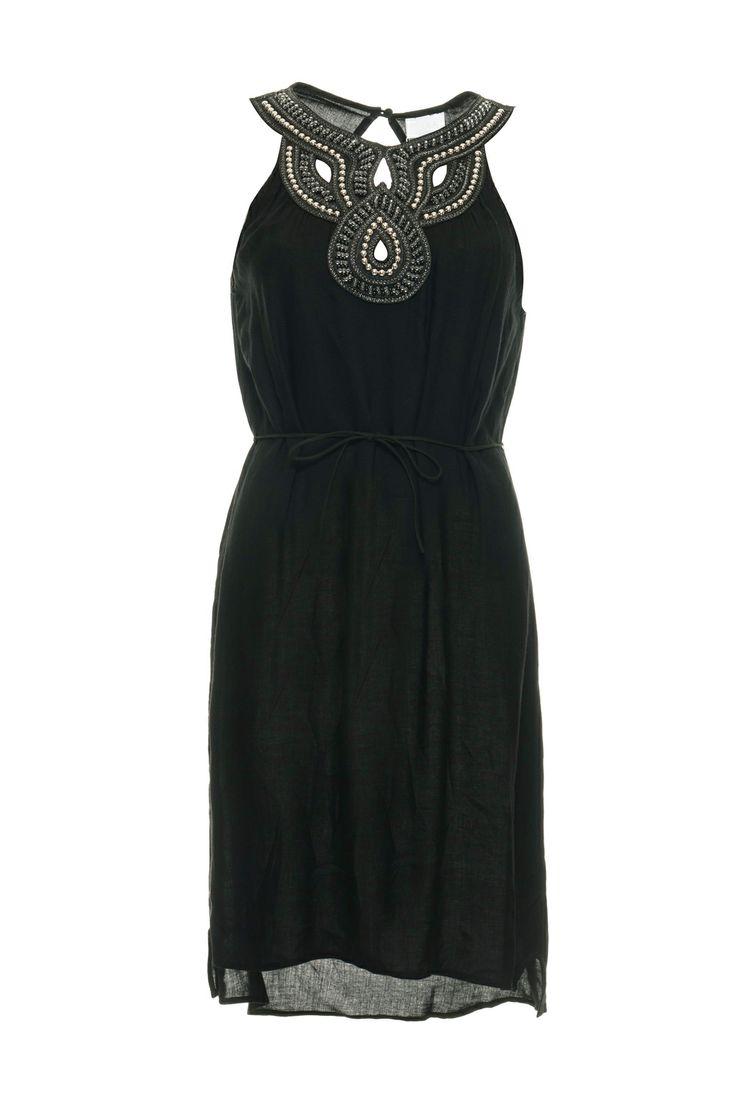 Vila Dress Slight BLACK. Now with 50% off at vimodos.com. Nice dress for christmas eve.