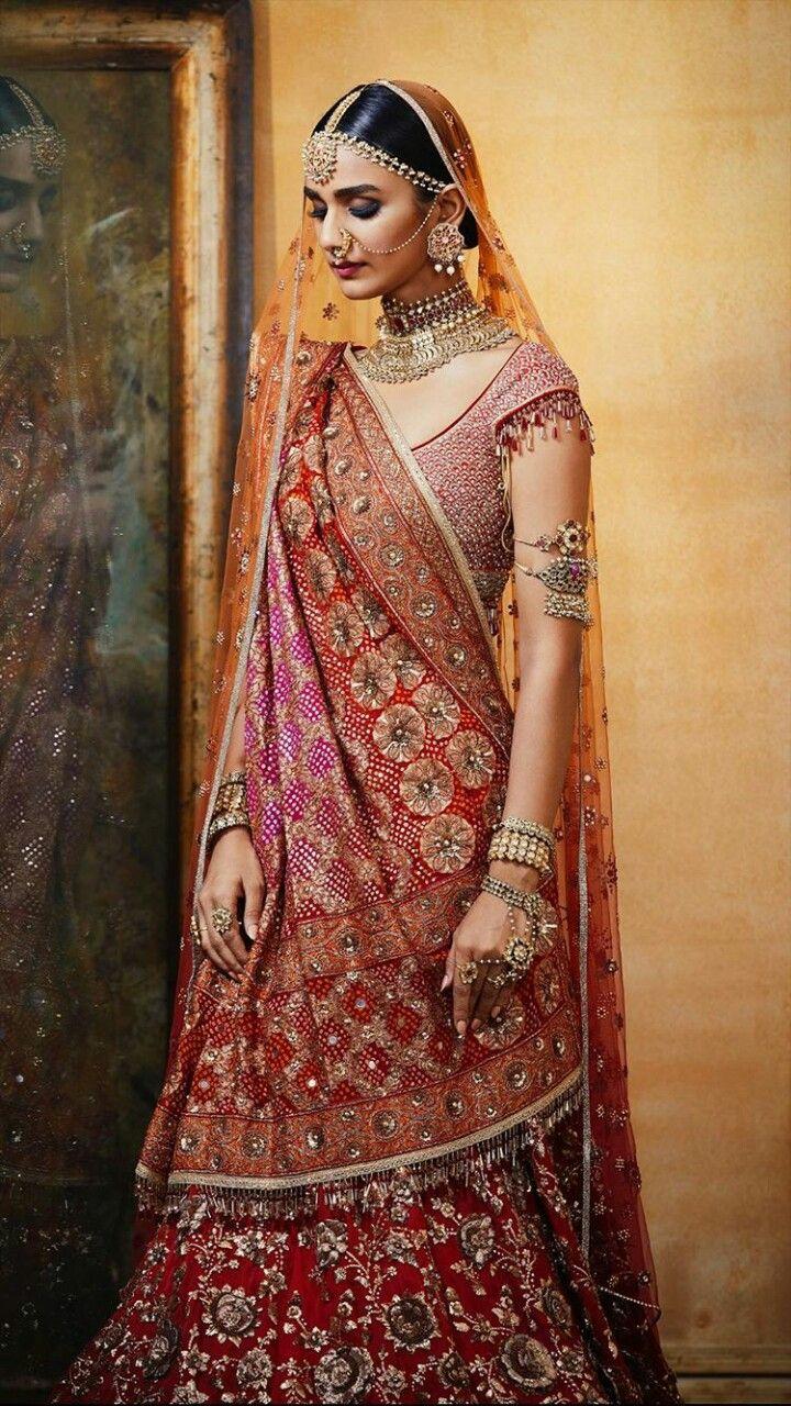 bc27ff00896db Pin by Megha Bothra on Women's fashion in 2019 | Indian bridal wear, Indian  bridal lehenga, Bridal lehenga