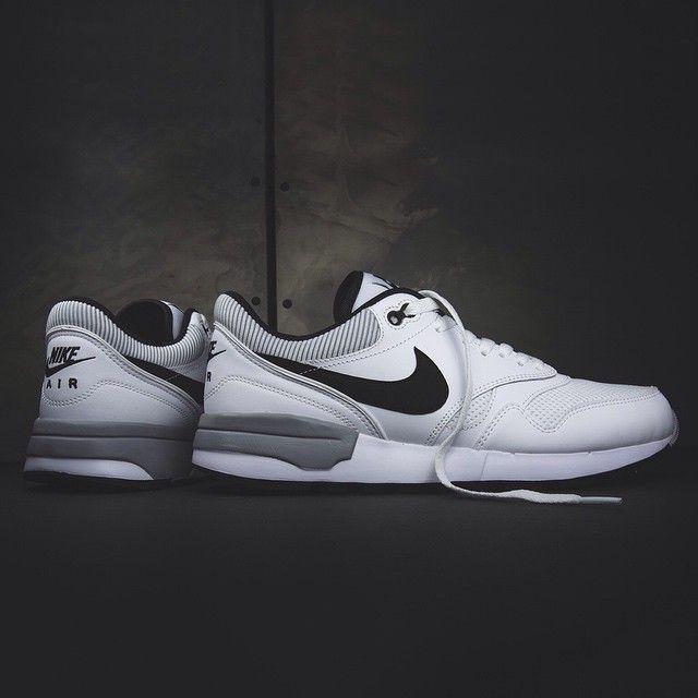 Nike Air Odyssey: White/Black/Wolf grey