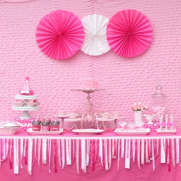Baby shower table decoration cute baby shower decor for Baby girl birthday decoration pictures